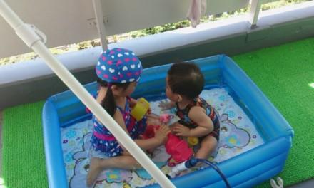 ぶり返す暑さと今年最後の水遊び