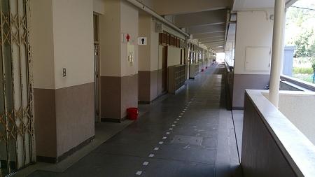 生徒がいない小学校の風景は独特の世界です。