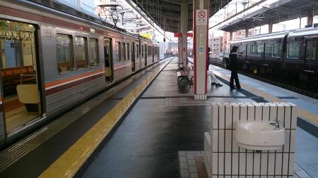 夕方の茨木駅