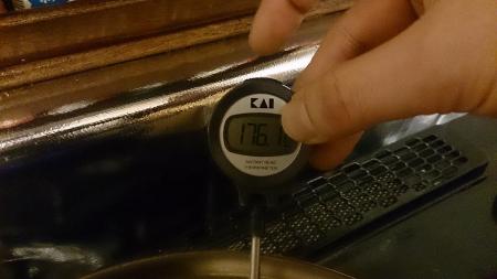 油温度は176℃となっていた。