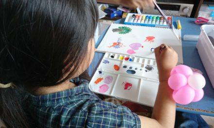 彩り ― 絵の具セット、その進化