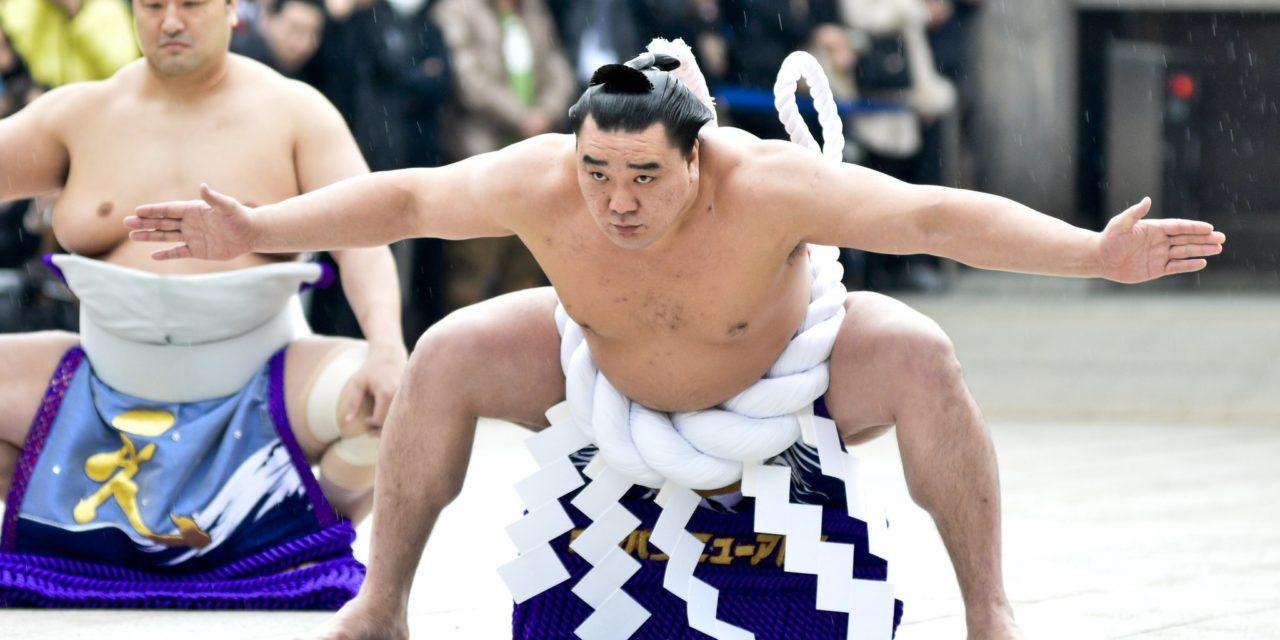 相撲 ― 年の重ね方はこじれると戻せないし気づけないという例