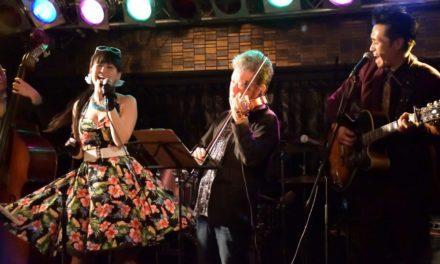 アコギ7度目 ― LISA&The Five Caratsライブ