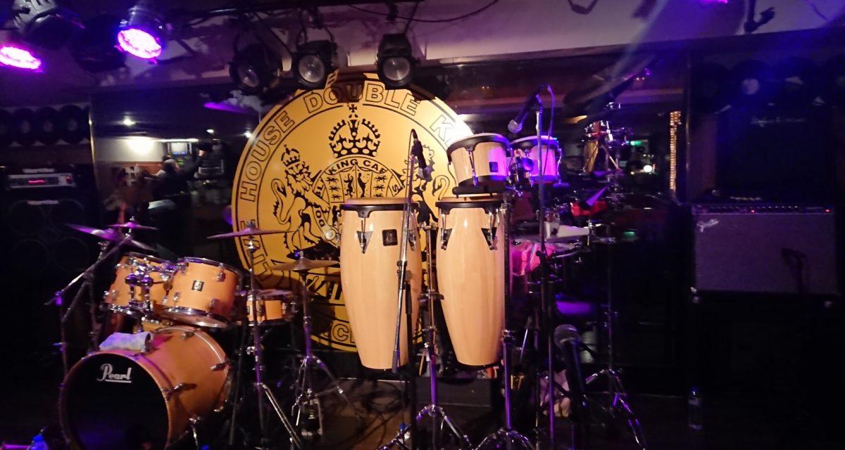 姫路 ― ダブルキングカフェにてお誕生日を祝うライブ