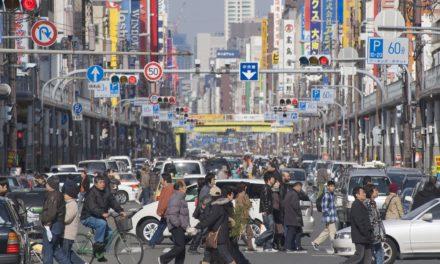 変わりゆく街並 ― 日本橋でんでんタウン